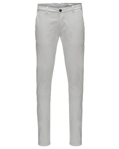 Chinos från Tailored Originals till killar.