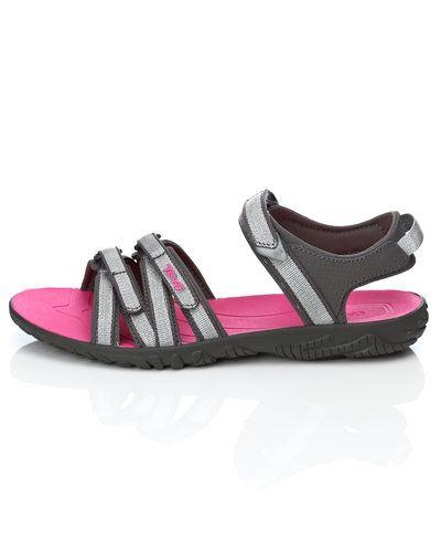 Till dam från Teva, en silver sandal.