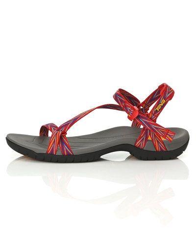 Till dam från Teva, en röd sandal.