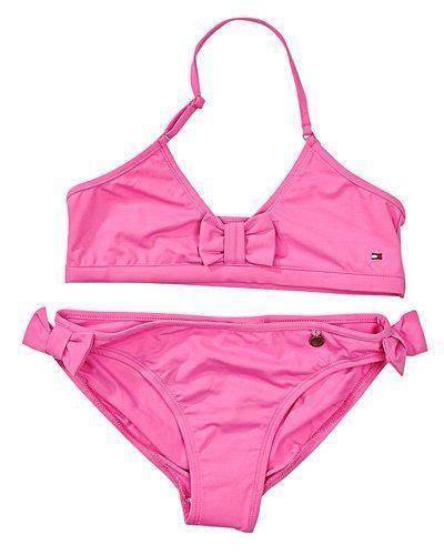 efcb2180 Till barn från Tommy Hilfiger, en rosa badplagg.