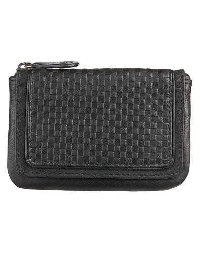 Till dam från Treats, en svart plånbok.