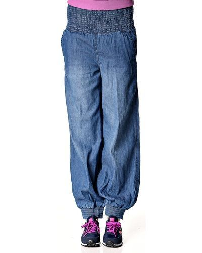 Till dam från Vero Moda, en blå byxa.