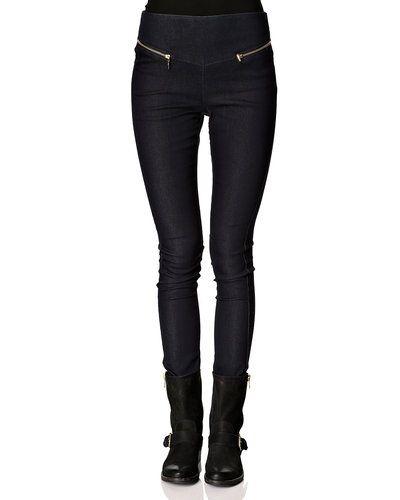 Vero Moda blandade jeans till dam.