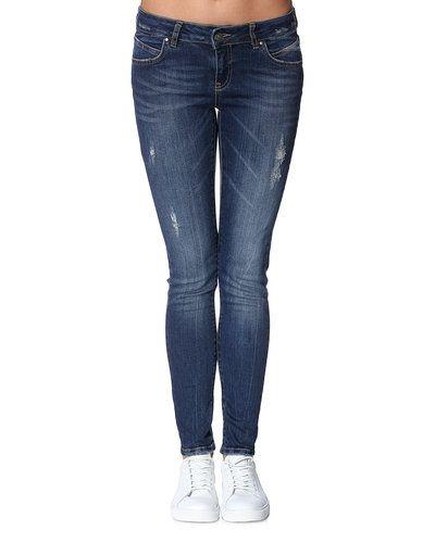 Till dam från Vero Moda, en blå jeans.