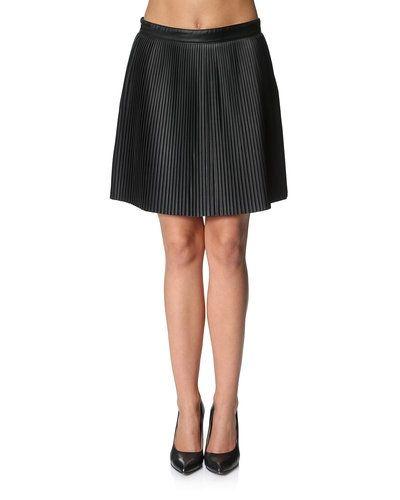 Vero Moda kjol Vero Moda kjol till kvinna.