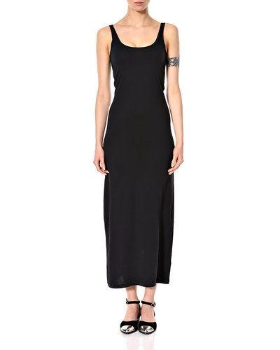 Till dam från Vero Moda, en svart klänning.