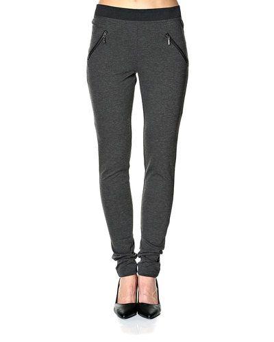 Till dam från Vero Moda, en grå leggings.