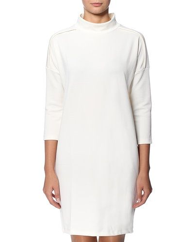 Vero Moda studentklänning till tjejer.