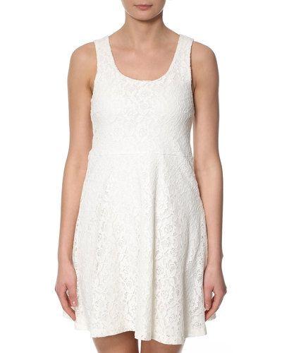 VILA Flus klänning VILA studentklänning till tjejer.