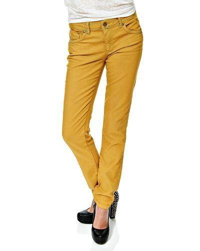 Gul jeans från VILA till dam.