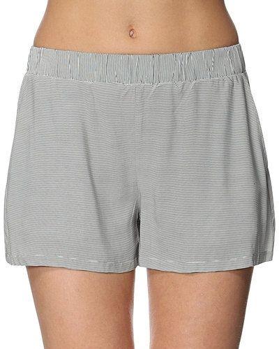 Shorts från VILA till dam.