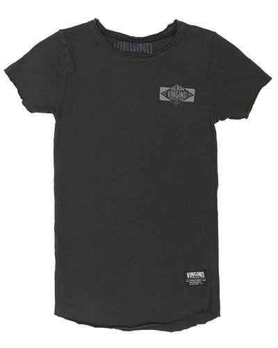 Svart t-shirts från Vingino till kille.