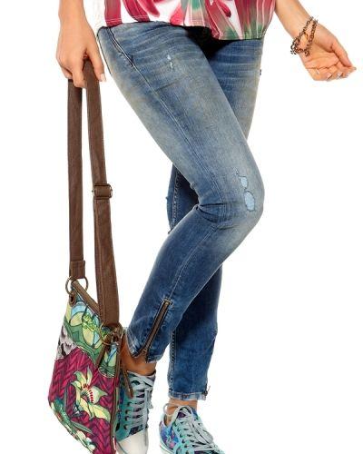 Desigual Bandolera Ishburi Bag. Väskorna håller hög kvalitet.