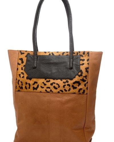 Selected Femme Funky Leo Shopper. Väskorna håller hög kvalitet.