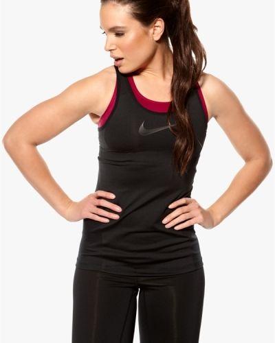 Nike Shaped Swoosh Tank. Traningsoverdelar håller hög kvalitet.