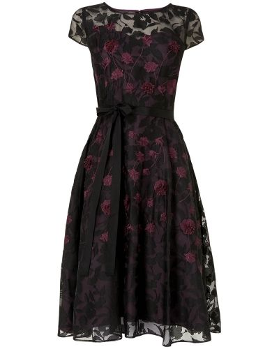 Klänning Suri Embroidered Dress från Phase Eight