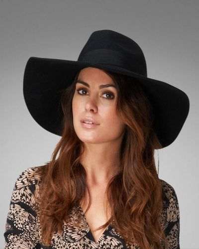 Wilhelmina Trilby Hat Phase Eight hatt till dam.