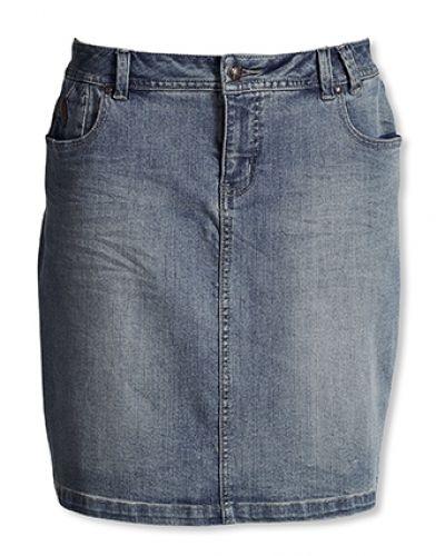 Till tjejer från Bonaparte, en jeanskjol.