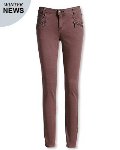 Till dam från Bonaparte, en jeans.