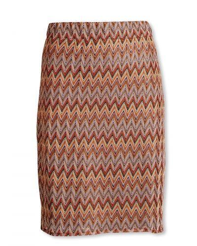 Till kvinna från Bonaparte, en orange kjol.