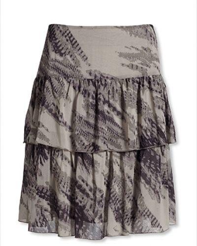Till kvinna från Bonaparte, en kjol.