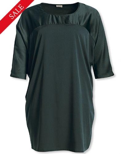 Till dam från Bonaparte, en klänning.