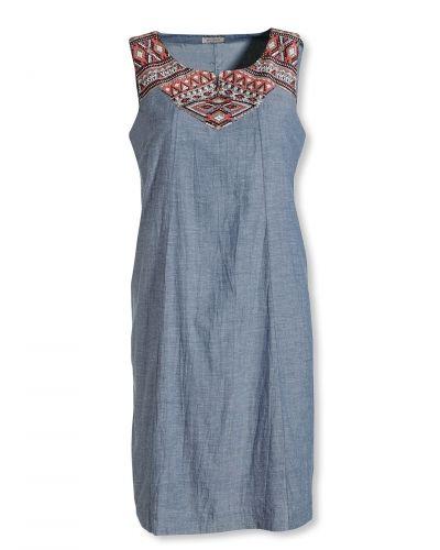 Blå klänning från Bonaparte till dam.