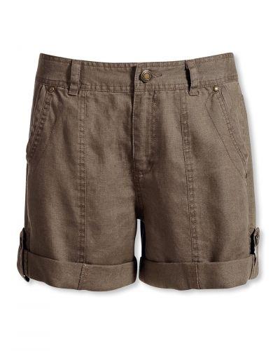 Till dam från Bonaparte, en brun shorts.