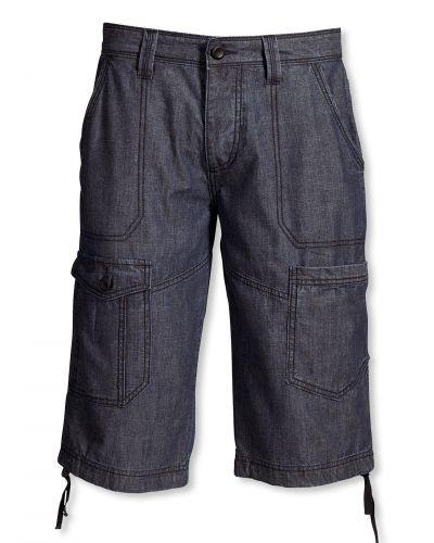 Till dam från Bonaparte, en blå shorts.