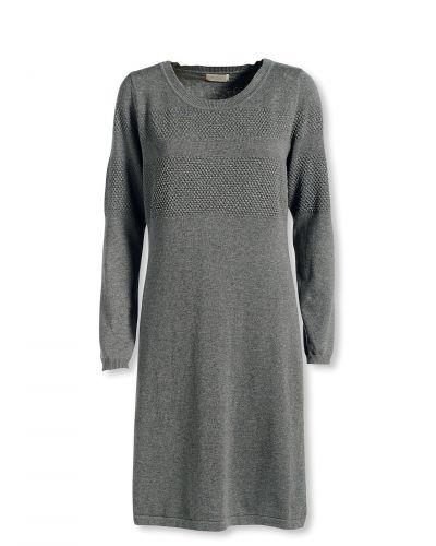 Till dam från Bonaparte, en grå stickade klänning.
