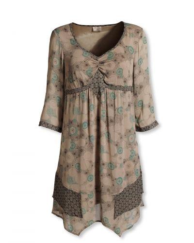 Till dam från Bonaparte, en grön tunika.