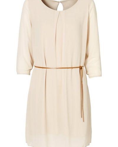 långärmad beige klänning