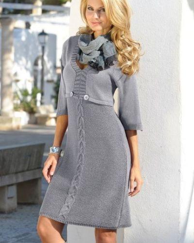 Stickad klänning Bodyflirt långärmad klänning till dam.