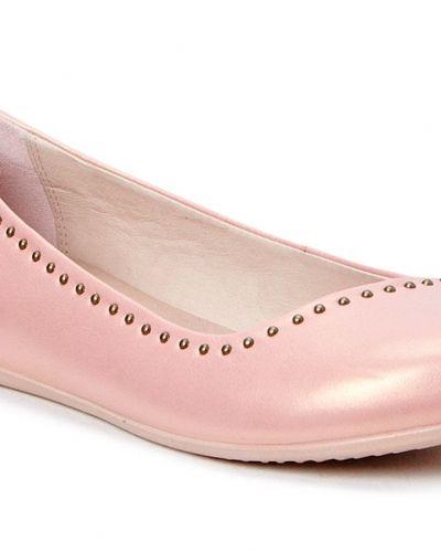Till kille från ECCO, en rosa herrsko.