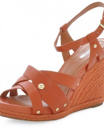 Till dam från Geox, en röd sandal.