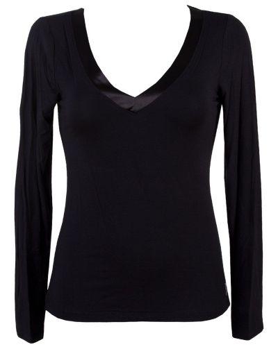 Till dam från Calvin Klein, en svart nattplagg.