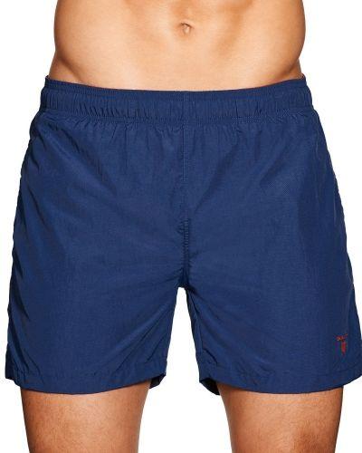 Röd shorts från Gant till herr.