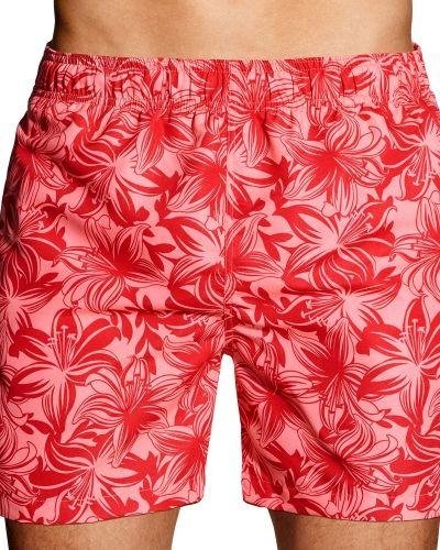 Till herr från Gant, en röd shorts.