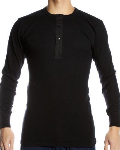 Till herr från JBS, en svart tröja.