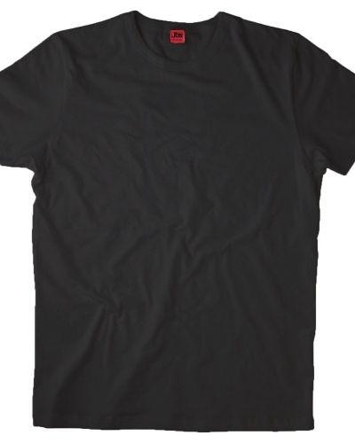 Till herr från JBS, en svart t-shirts.