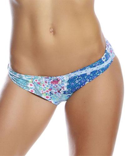 Till tjejer från Sunseeker, en blå bikinitrosa.