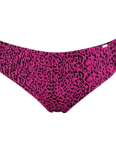 Till tjejer från Triumph, en rosa bikini.