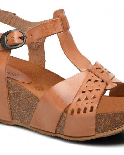 Kickers sandal till dam.