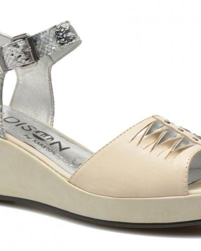 Till dam från Madison, en sandal.