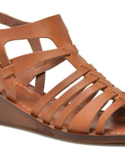Fasta Kickers sandal till dam.