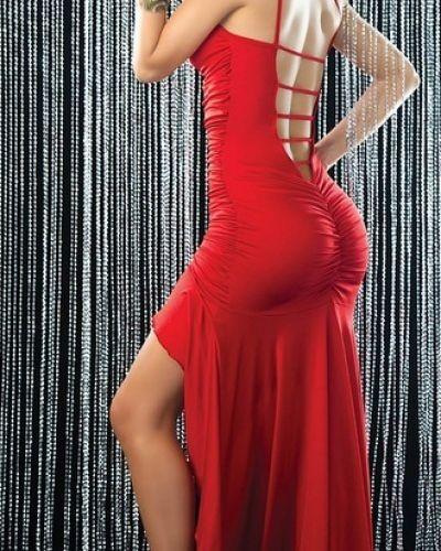 Till dam från Övriga, en röd festklänning.