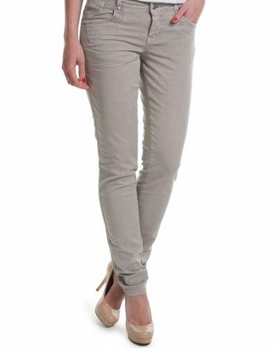 Till dam från Culture, en grå jeans.