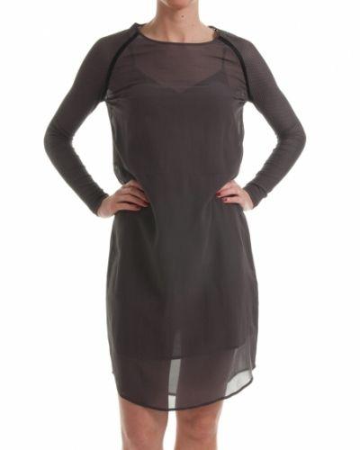 Till dam från Custommade, en svart klänning.