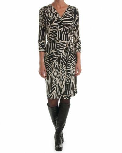 Till dam från Ilse Jacobsen, en creamfärgad klänning.