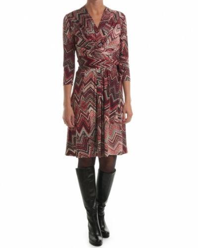 Röd klänning från Ilse Jacobsen till dam.